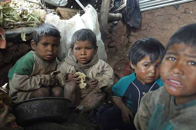 Pobreza y hambre, dos criminales sueltos