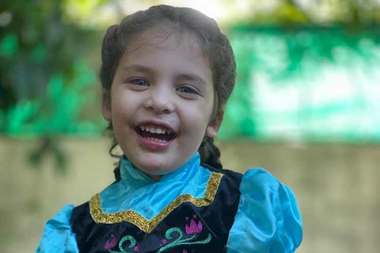 Recuerda Díaz-Canel nacimiento de hija de Héroe de Cuba