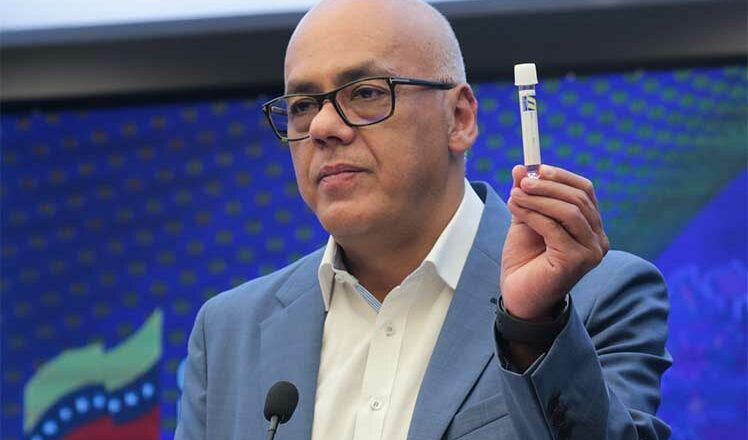 Venezuela fabrica insumos contra Covid-19 pese a bloqueo de EE.UU.