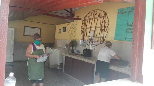 Trabajadores gastronómicos de Cabaiguán apoyan reordenamiento económico