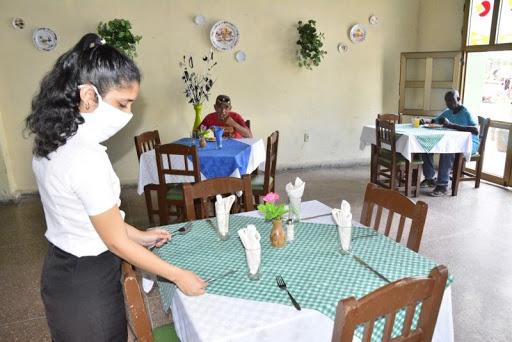 El comercio y la gastronomía de Cabaiguán refuerzan precauciones ante rebrote de COVID-19