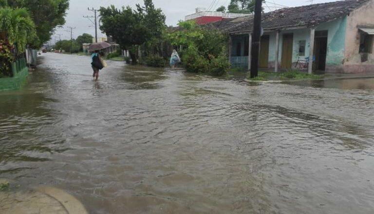 Sancti Spíritus en fase de alarma por intensas lluvias